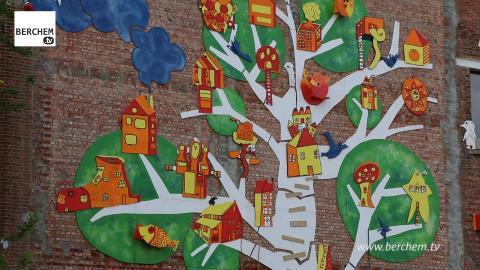 Monumentale boom voor school en buurt in Berchem