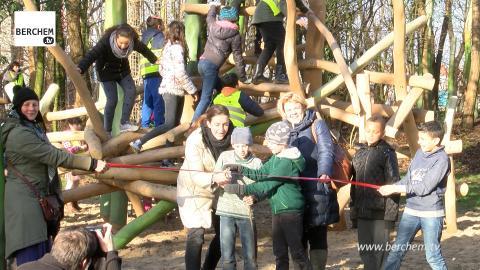 Nieuwe speeltuin Corneel Jaspersstraat Berchem ingespeeld