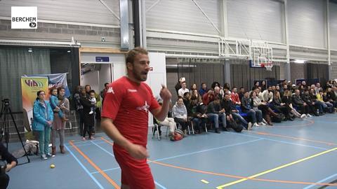Matthias Schoenaerts mee in Berchem voor vrede