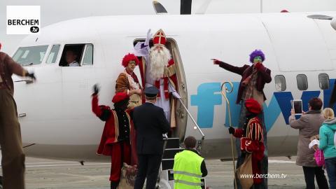 Sinterklaas vliegt Berchem binnen