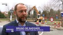 Fietspad in groene berm van Fruithoflaan Berchem TV Bruno De Saegher